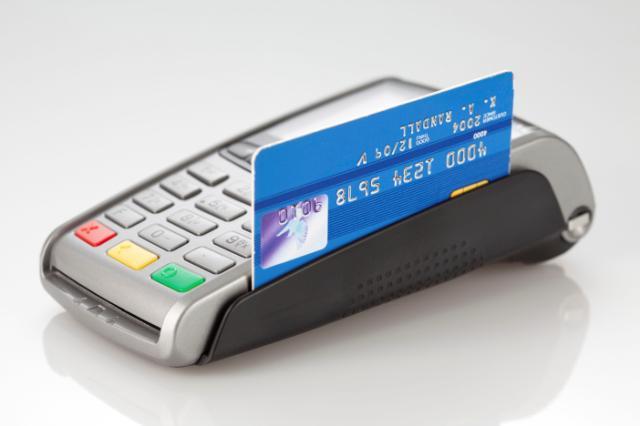 Terminal płatniczy z kartą